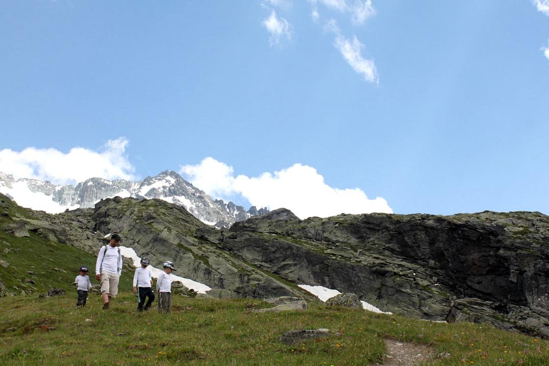Alpit Kesalla Lunta Tyhjyytta Ja Upeita Maisemia Outdoor Family