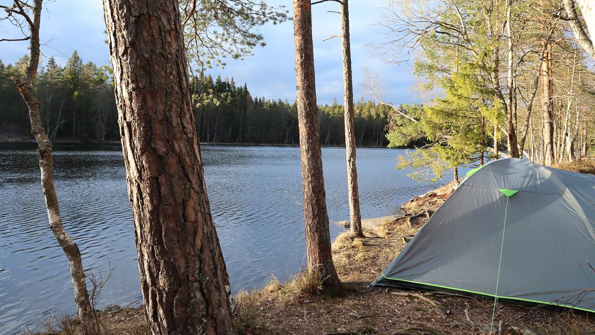 Kirkkonummen Korsolampi on helposti saavutettava telttaretkikohde