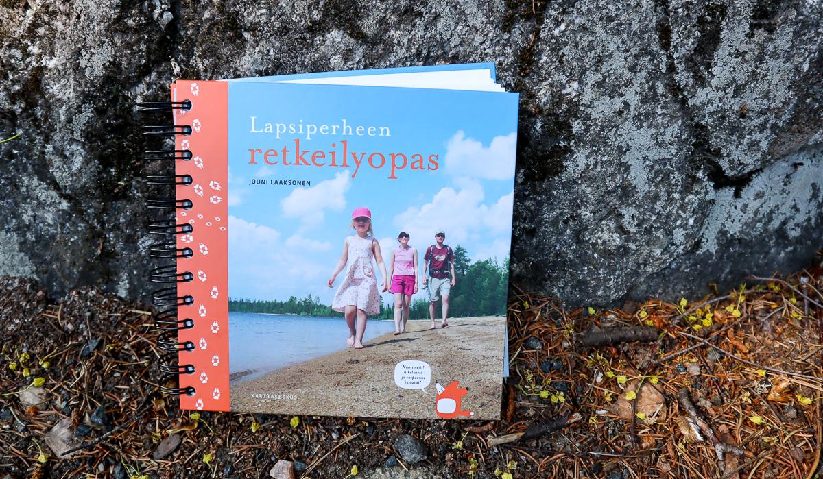Jouni Laaksonen: Lapsiperheen retkeilyopas (Karttakeskus 2014)