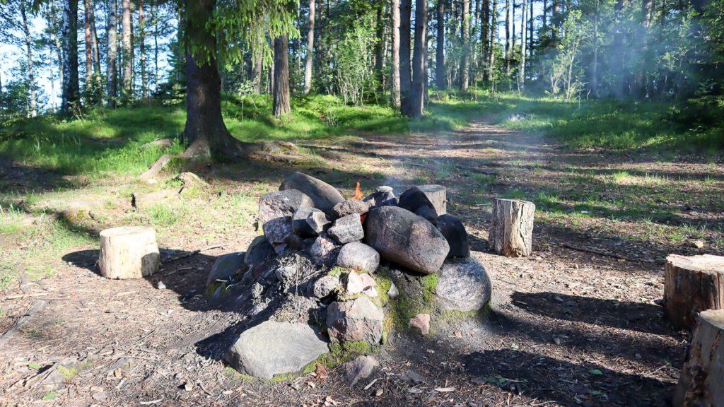 Tulipaikka / Nuotiogrillaus / Linlo / Kirkkonummi