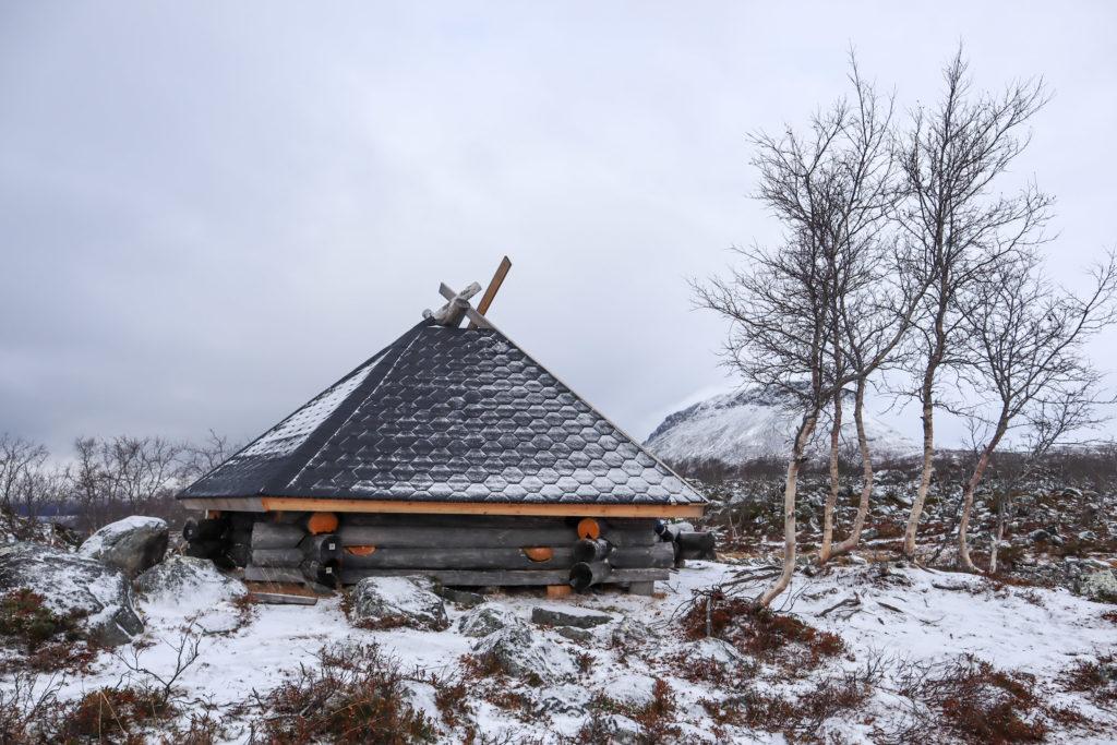 Tsahkaljärvi / Tsahkalputous / Laavu
