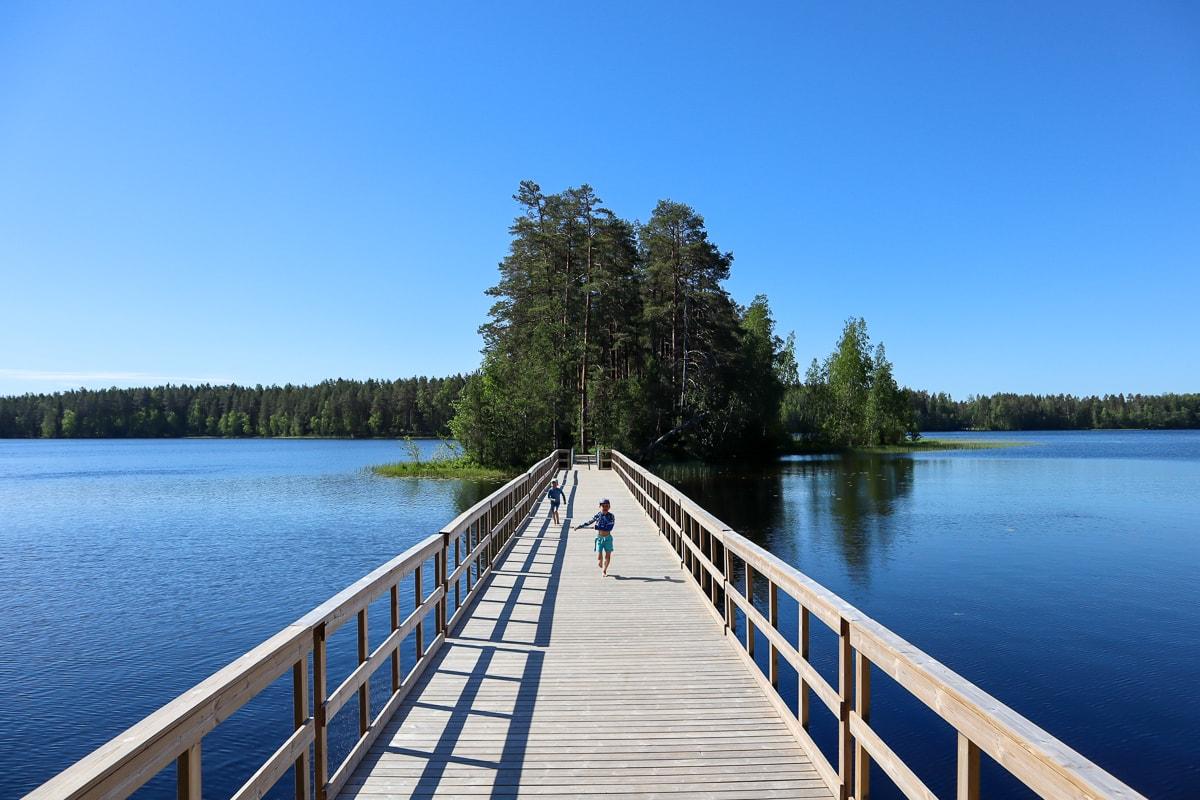 Ruostejärvi Tammelassa – Täydellinen retkikohde lapsiperheille