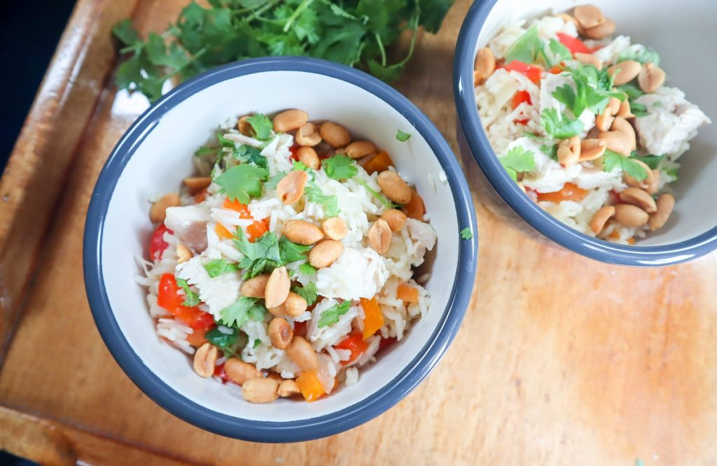 Veneruokaa / helppo broileri-riisipaistos säilykekanasta