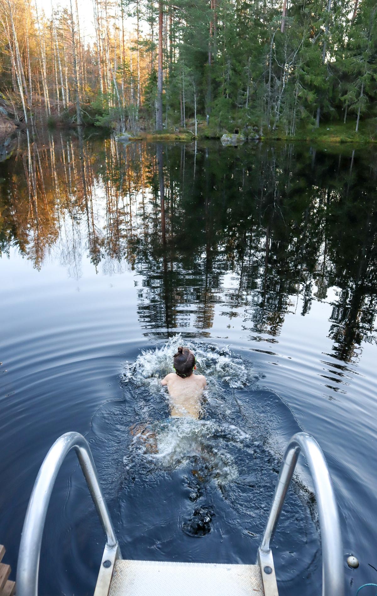Saunasta uimaan!