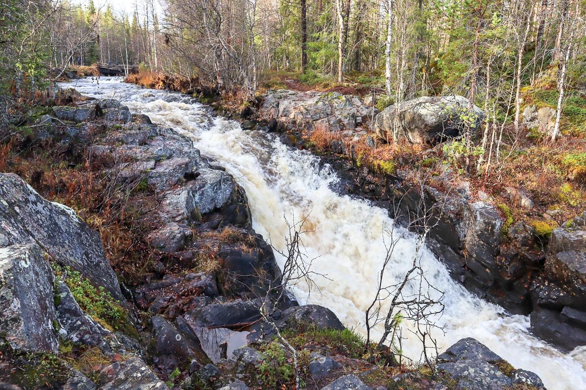 Kolarin Kuerlinkat – vesiputouksia ja maamme pohjoisin kalliomaalaus
