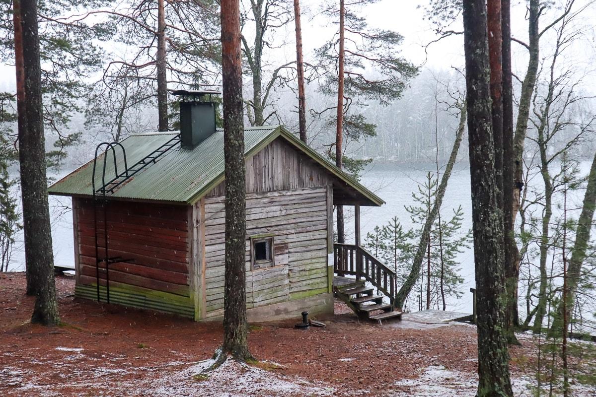 Saunamökki Etelä-Suomen upeimmasta retkikohteesta vain 25 eurolla vuorokaudeksi!