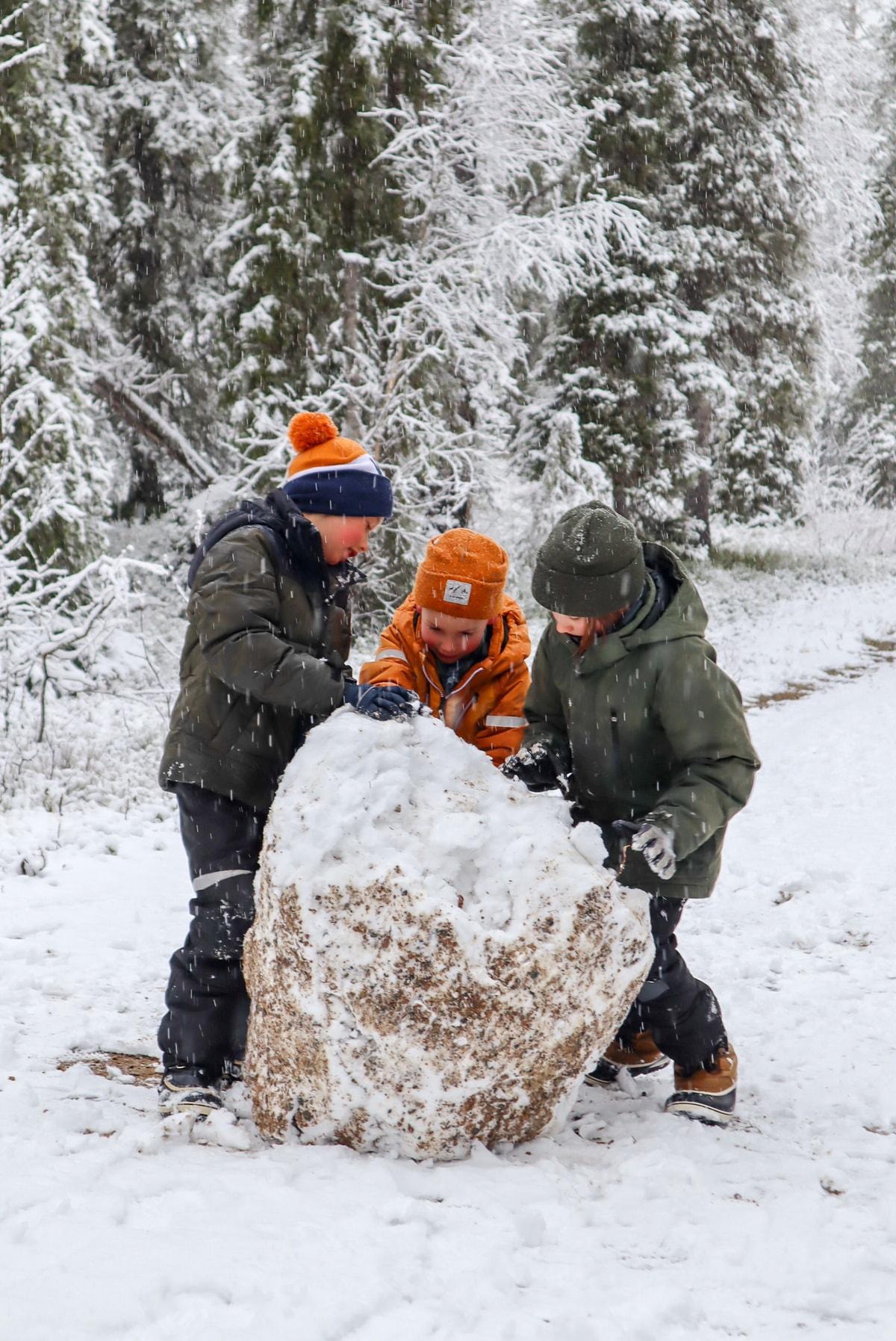 Ensilumi / Pyhä-Luoston kansallispuisto / Suuntana Ametistikaivos