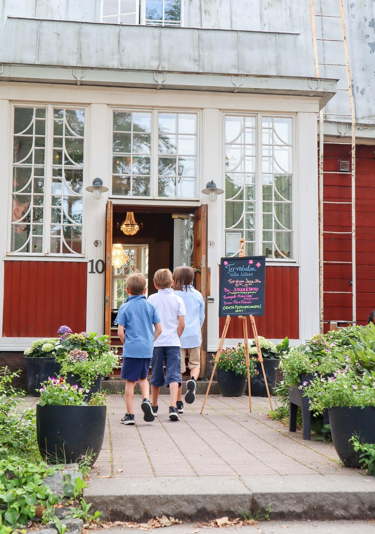Ravintola Villa Lilla / Leppävaara / Espoo